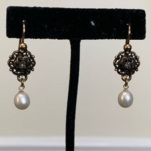 Gold plated earrings with sapphires and pearls